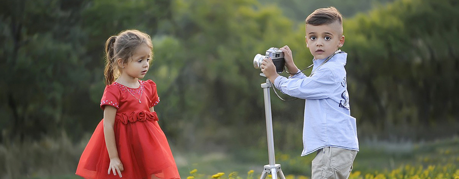 Little & cute photographers of future